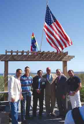 Rich Helfant, Brad Hurtado, Ari, Mayor Don Guardian with John Schultz. Photo by Peter Frycki.