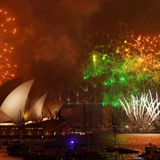 Sydney, Australia celebrates 2018 with Happy New Year fireworks display