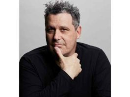 """Isaac Mizrahi: Queen Size"" comes to the cabaret stage of the Café Carlyle in New York"