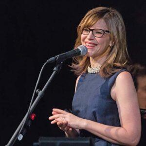 Lisa Loeb at microphone