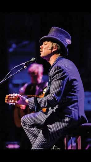 Rufus Wainwright at a recent concert. Photo by Ben Houdijk