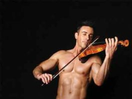 "Matthew Olshefski is the ""shirtless violinist"""