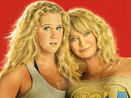 """Movie """"Snatched"""" photo with Amy Schumer and Goldie Hawn"""
