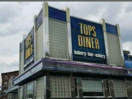 Tops Diner in East Newark. Photo by Ralph Malachowski