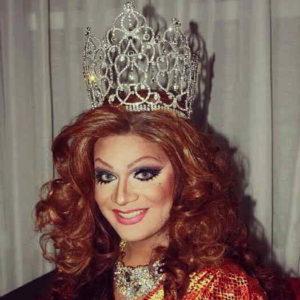 Lea Sky wearing silver crown