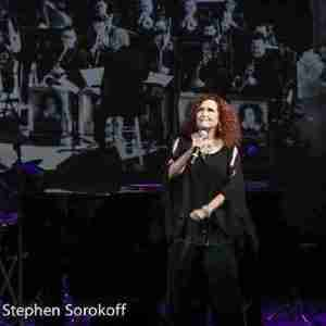 Melissa Manchester on stage